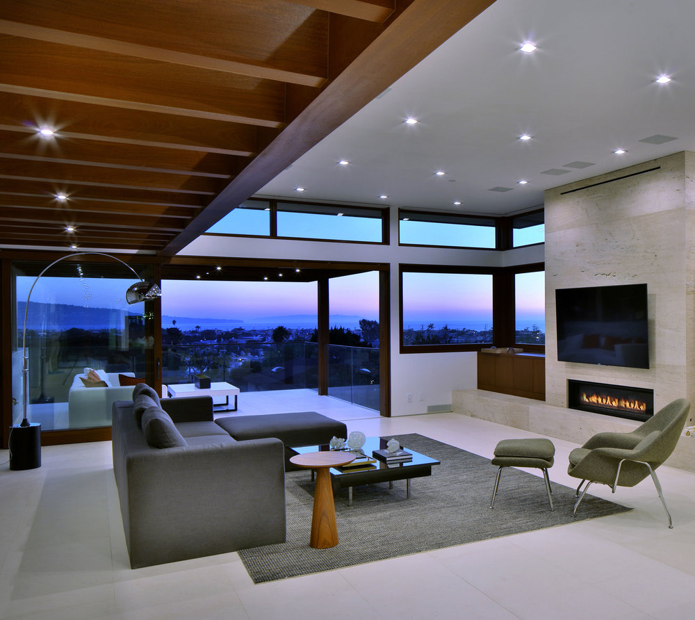 14-modern-architecture-ManhattanBeach-views-livingroom-SiliconBay.jpg