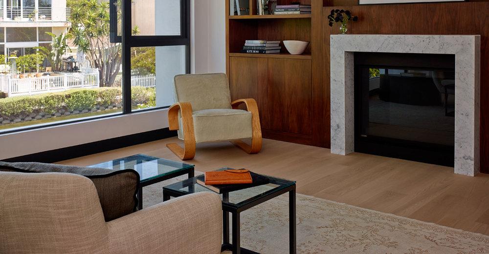 8-SiliconBay-master-bedroom-fireplace-modern-losangeles.jpg