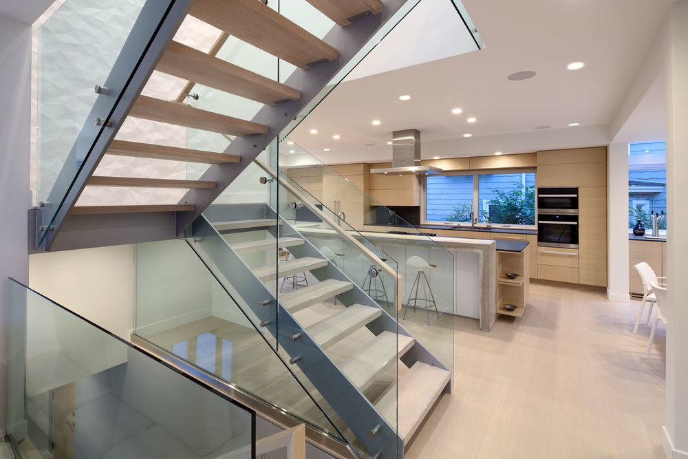 silicon-bay-glass-staircase-contemporary-architecture.jpg
