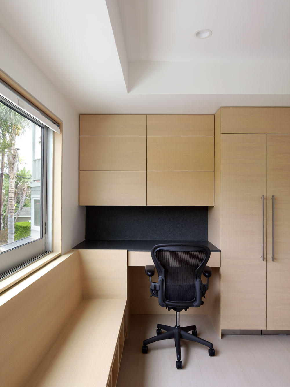 silicon-bay-built-in-desk-modern-cabinets.jpg
