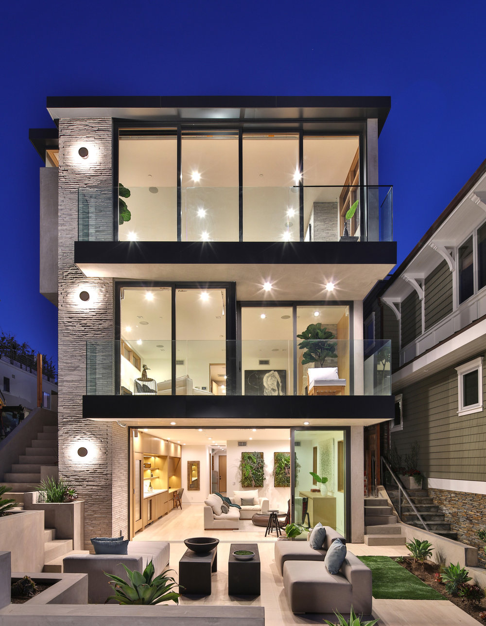 exterior-manhattan-beach-house-stone-facade-silicon-bay.jpg