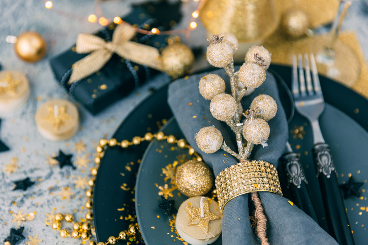 christmas place setting decorated excess.jpg