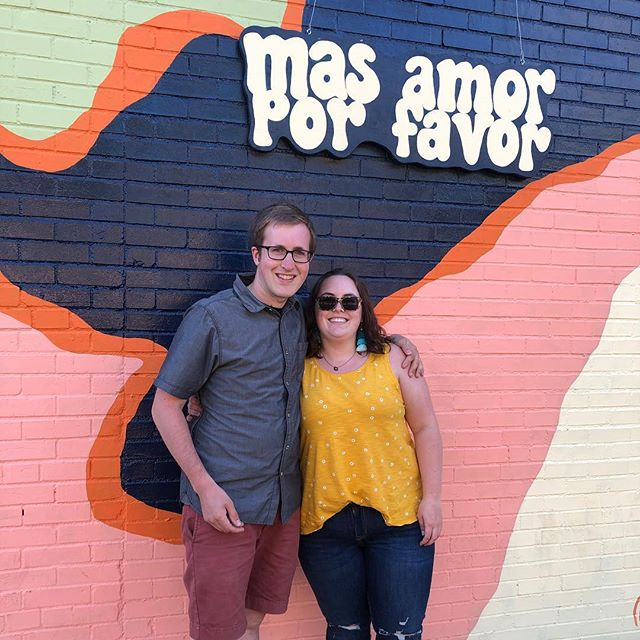 más tiempo en Austin por favor! We have spent 3 weeks in Austin now and are in love with this city!💕 We have enjoyed a mural hunt, a taco tour, days in Zilker, paddle boarding, and so many other fun things. When you spend so much time in one place you really get a chance to see it. We are getting ready to continue eastward, but we can't wait to come back!