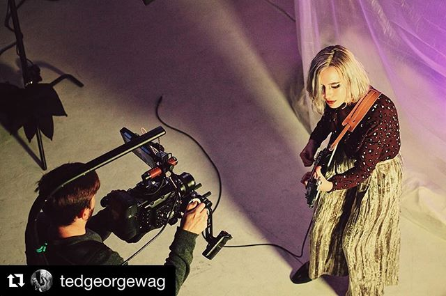 #Repost @tedgeorgewag (@get_repost) ・・・ We just put out @midnightoperamusic's first ever video and I'm very pleased with it. It's full of color and crystals and campy little smiles. This is a picture of me and @brycejrich shooting one of my scenes. As you can see I chose to run my guitar through one of the new Vox Invisiblamps. Pretty quiet compared to what I'm used to from them. Would not recommend.  Video's at the link in bio. Photo by @glasswave.