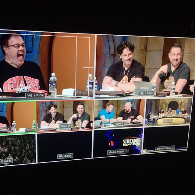That guy looks familiar.... A look at the #multiview from our production corner at a pretty stellar #dungeonsanddragons event. #streamofmanyeyes