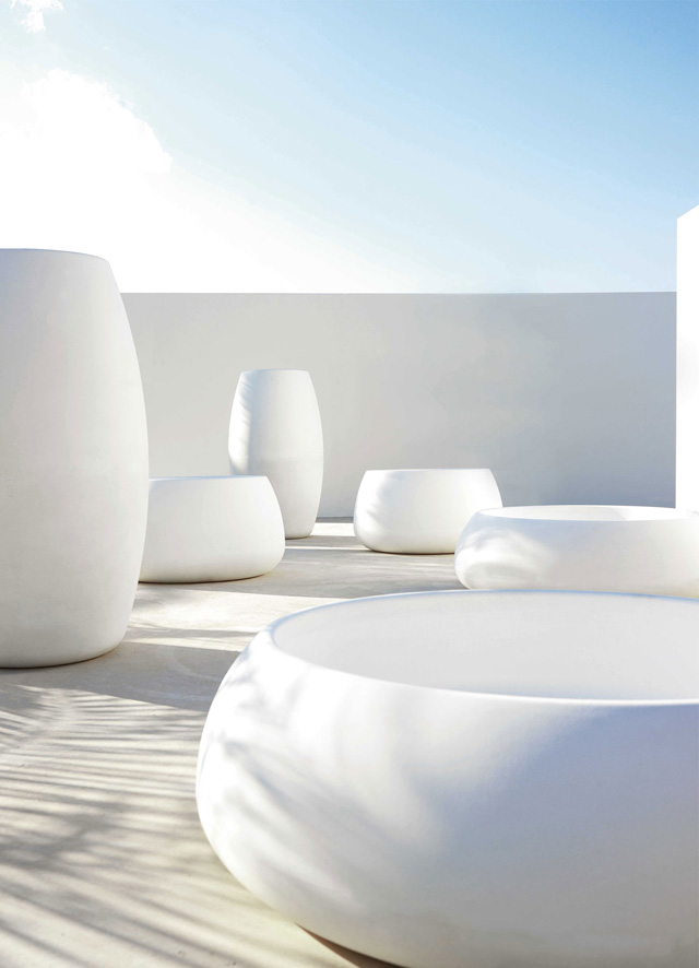 Outdoor-Planters-White-Modern-xl1.jpg