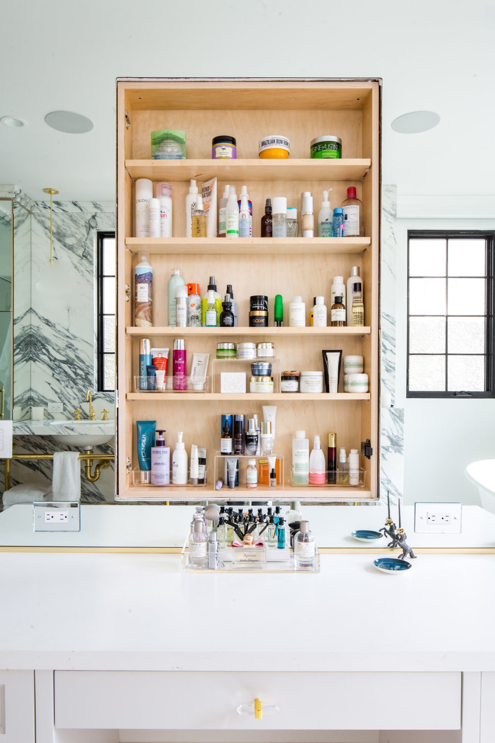 How to Organize your Bathroom with Life in Jeneral