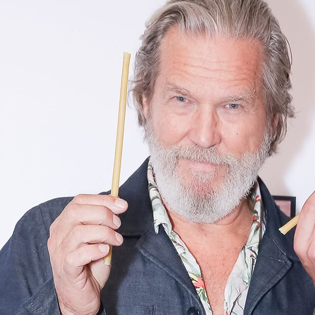 The Dude Abides. Thank you @thejeffbridges 🙌 ・・・ @livinginthefuturespast #LivingInTheFuturesPast #thedude #pastastraws #pastastraw #documentary #ecofriendly #healthconcious #foodie #zerowaste #gogreen #apocalypse #solar #wind #reduce #reuse #recycle #hollywood #jeffbridges #vegan #cocktails #champagne #seahugger #plasticsucks #stopsucking