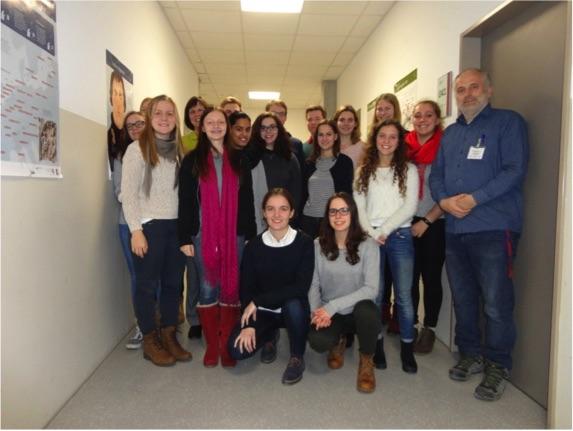 Lea aus Team Deutschland bei einem Schulbesuch in Baden-Württemberg
