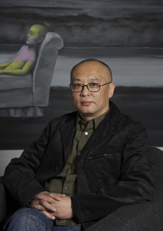 zhang-xiaogang-portrait.jpg