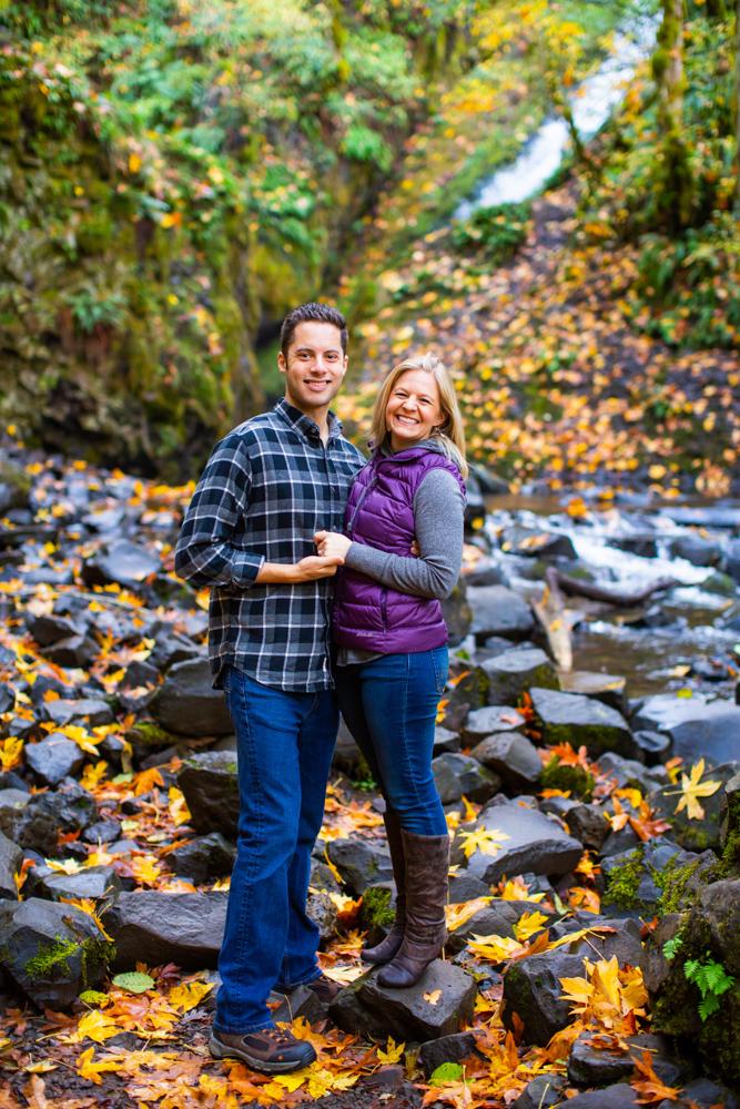 Columbia-Gorge-BridalVeil-Engagement-018.jpg