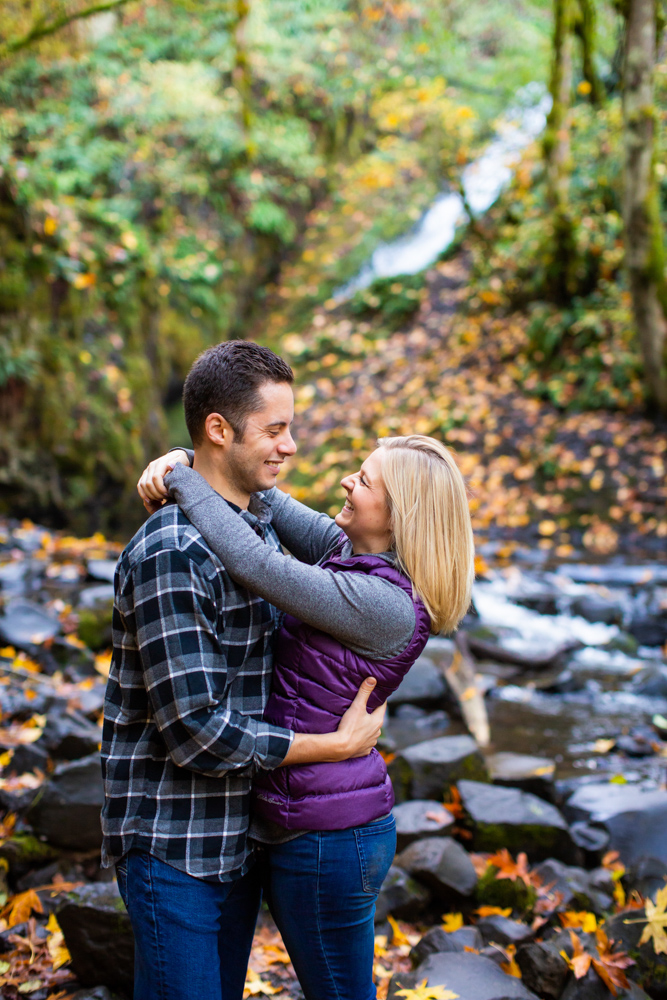 Columbia-Gorge-BridalVeil-Engagement-019.jpg