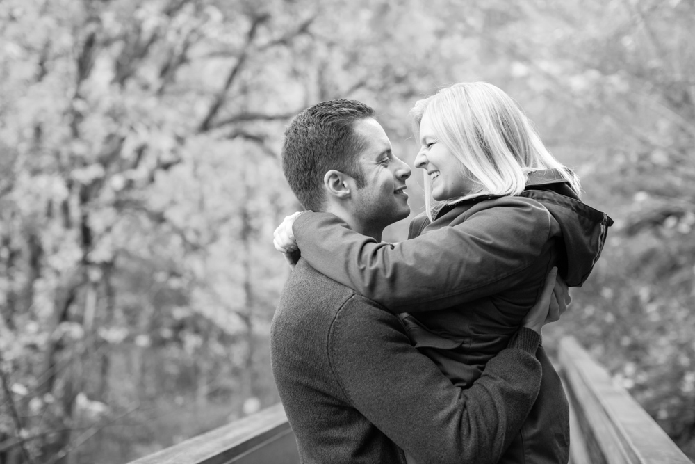 Columbia-Gorge-BridalVeil-Engagement-028.jpg