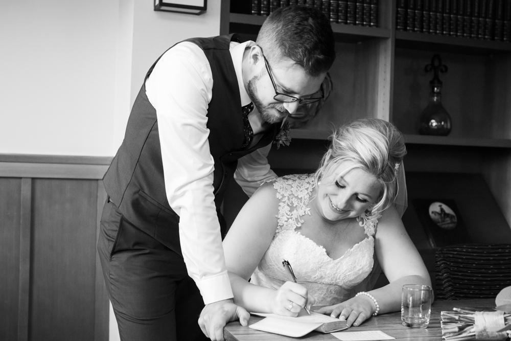 Portland-Skamania-Lodge-Wedding-27.jpg