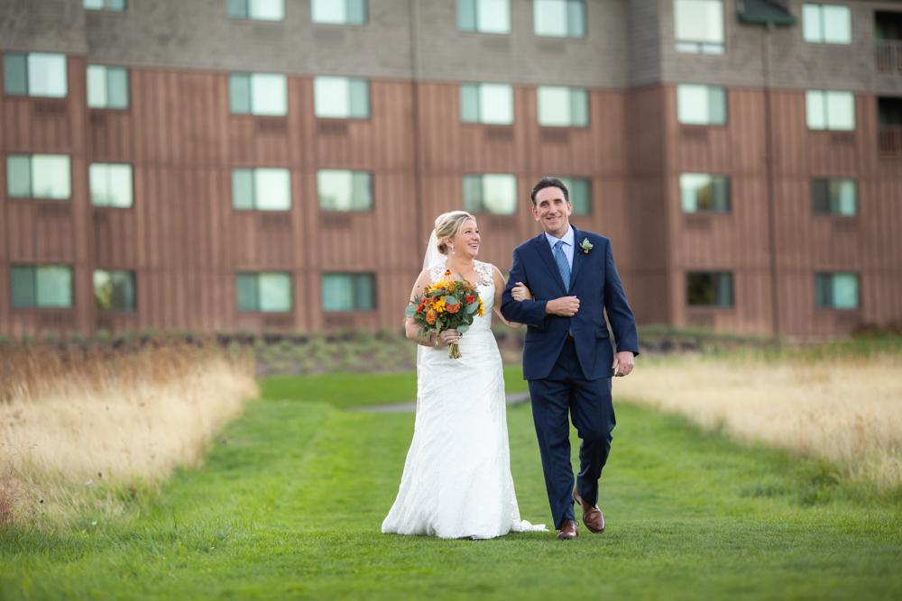 Portland-Skamania-Lodge-Wedding-34.jpg