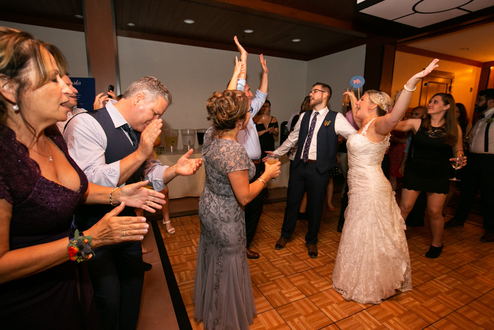 Portland-Skamania-Lodge-Wedding-80.jpg