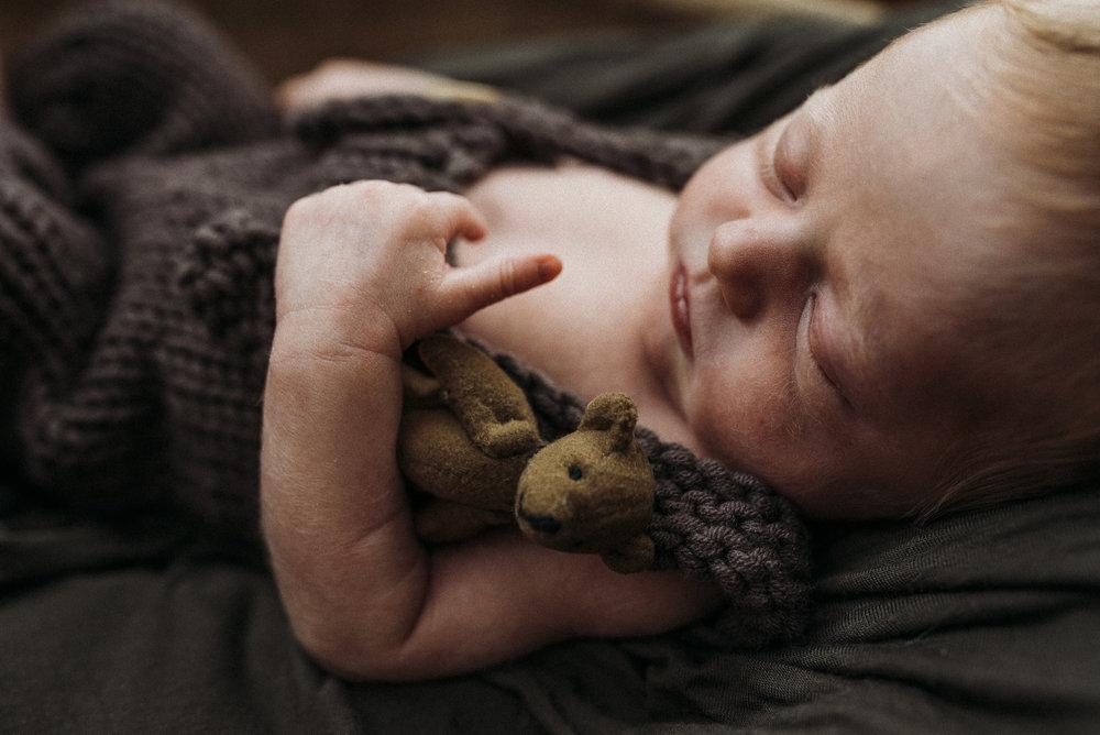Maine newborn in home photography-14.jpg