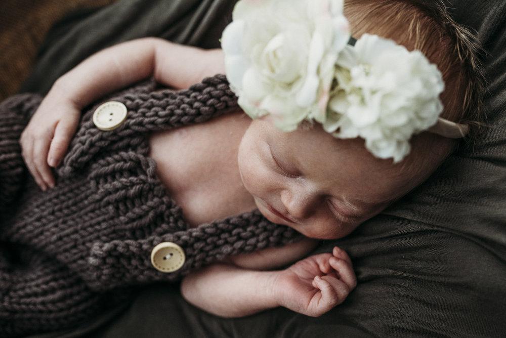 Maine newborn in home photography-15.jpg