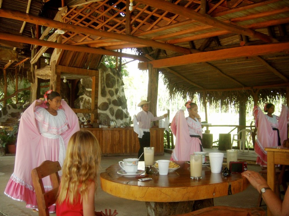 A coffee plantation tour  nearby where you can watch traditional dance while enjoying delicious coffee