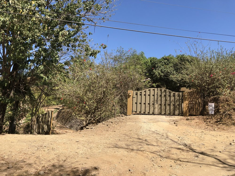 entrance to the house and the cabinas during the dry season