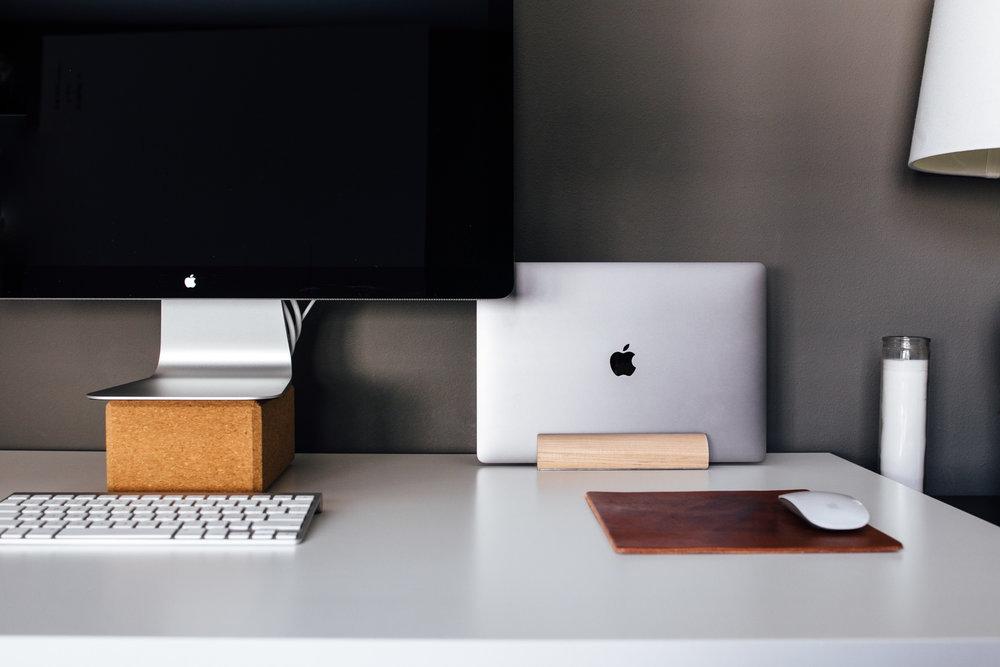 laptop dock-1.jpg