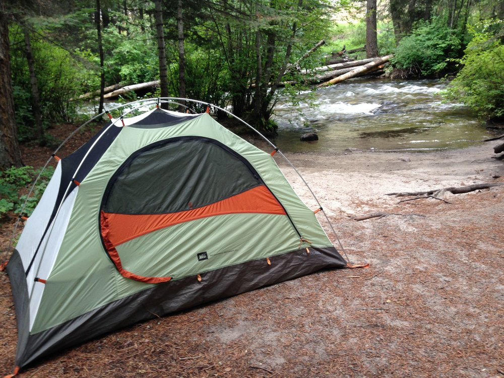 bitterroot-valley-forest-camp-lifestyle-outdoor-recreation