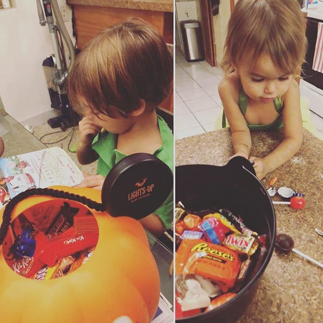 My kids had a pretty amazing candy haul last night! . . #halloween #halloween🎃 #halloweencandy #momlife #momof2 #disneymom