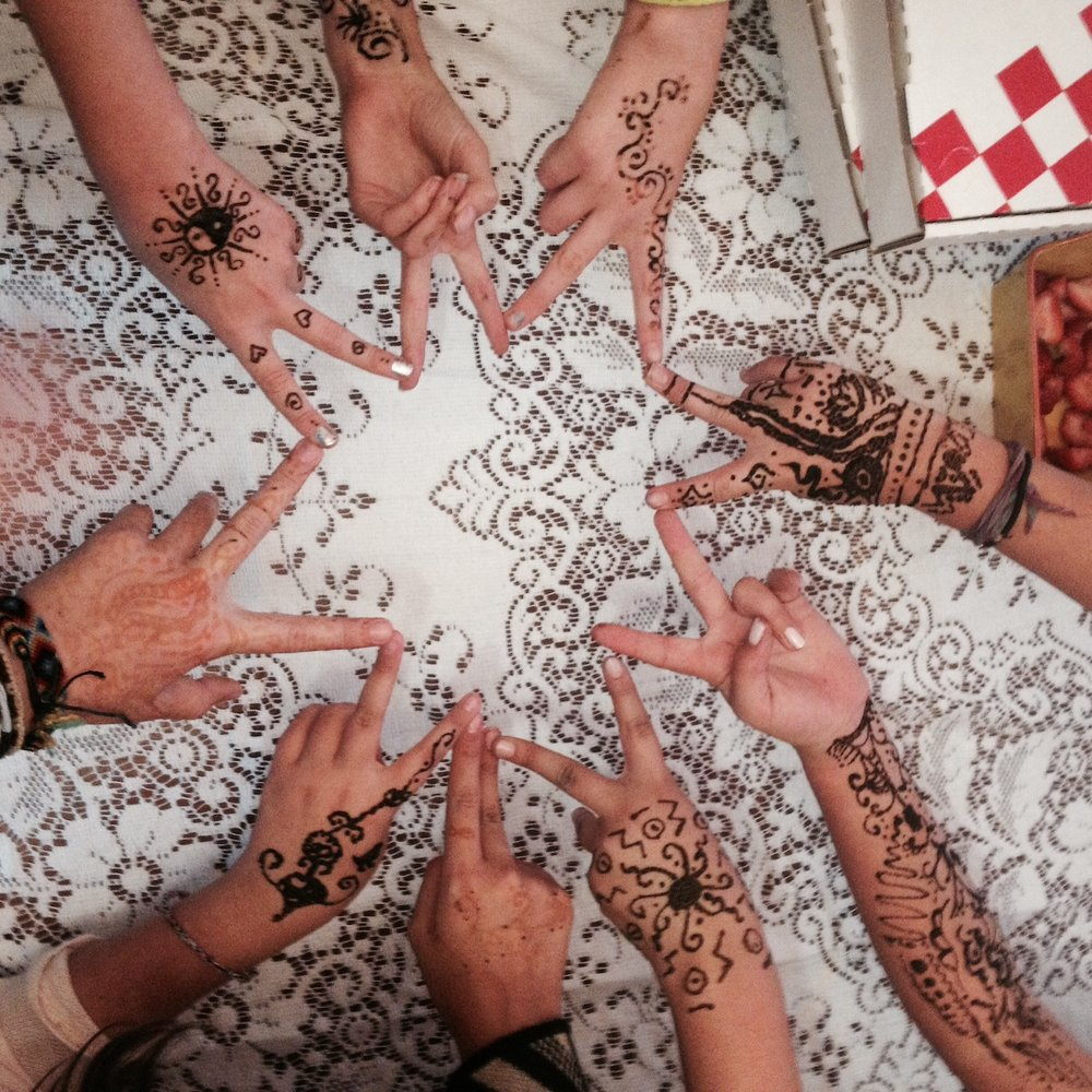 henna hands in star.jpeg