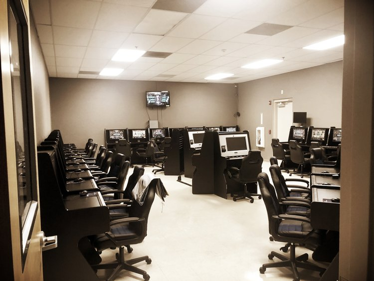 SKILL GAME ROOM
