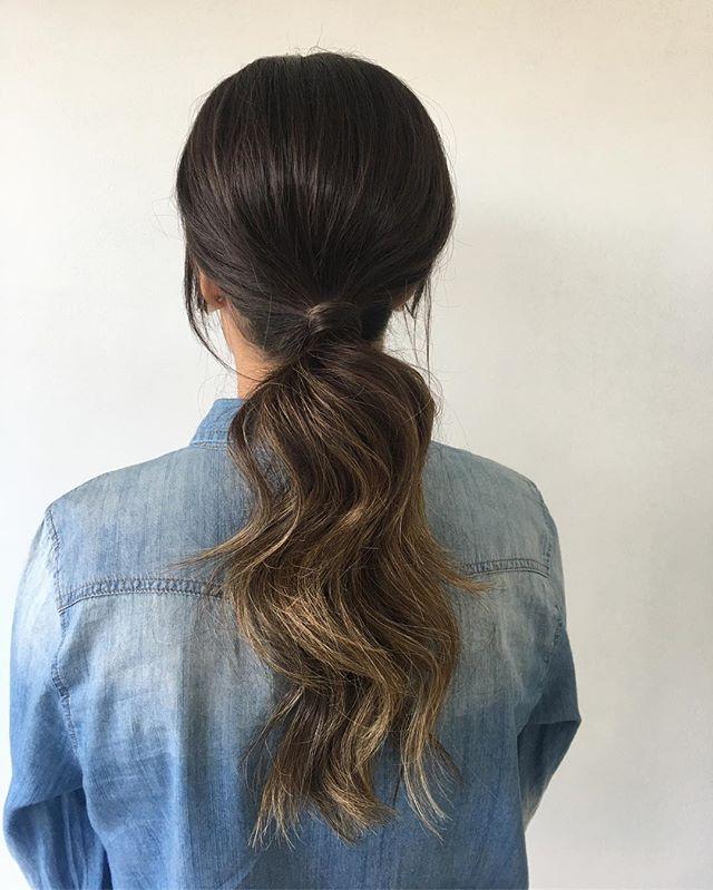〰 ponytail 🖤 . . . . . . . . . . #saturdayvibes #ponytail #hairstylist #hair #instahair #adelaidehairstylist #texturedponytail #evyprofessional