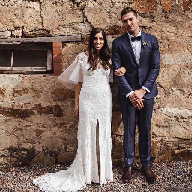 〰 repost of this beauty! @cat_maio looking effortless in her @_gretakate_ dress. Captured by @whitewall_au ✖️ make up by @millieherd . . . . . . #realbride #adelaidebride #adelaideweddingsuppliers #instawedding #hair #effortless #weddinginspo #bride #bridetobe #bridalhairstylist