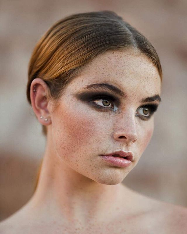 〰 cannot wait to see the rest of these shots by @capturedbycarolyn and @tessalauren_photographer ✖️ featuring @_jess_newman of @finesse_models_australia 🖤 make up by @thestylebar_au . . . . . . . . . . #photography #model #editorial #smokeyeye #cateye #makeup #makeupideas #editorialmakeup #freckles #skingoals