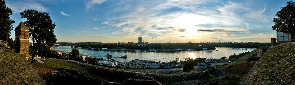 1200px-Sava_river_in_Belgrade,_Serbia.jpg