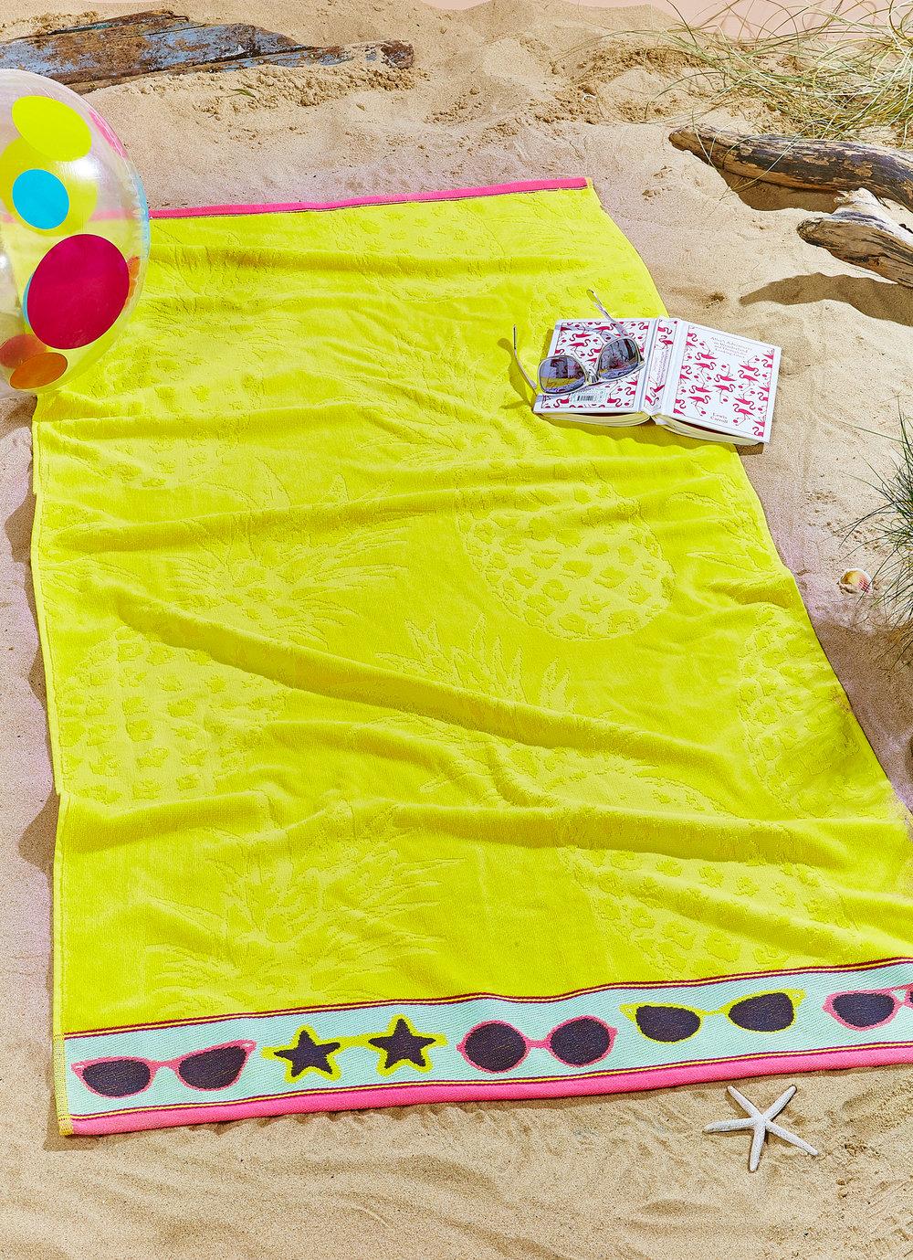 40794_Pineapple-Beach-Towel-Singular-Shot_Yellow.jpg