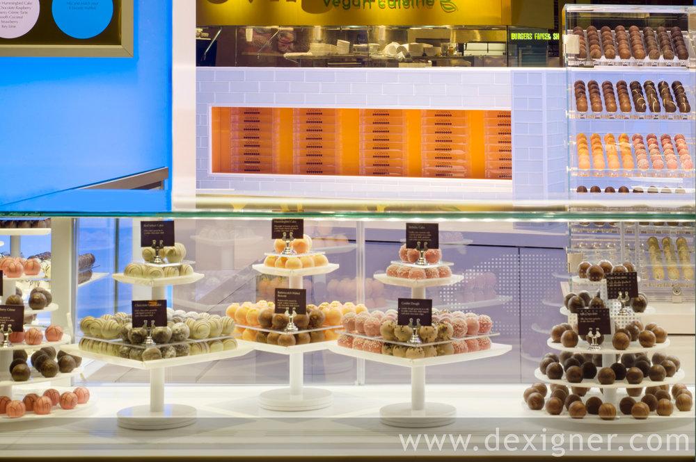 Godiva_Truffle_Express_Chocolate_Kiosk_02.jpg