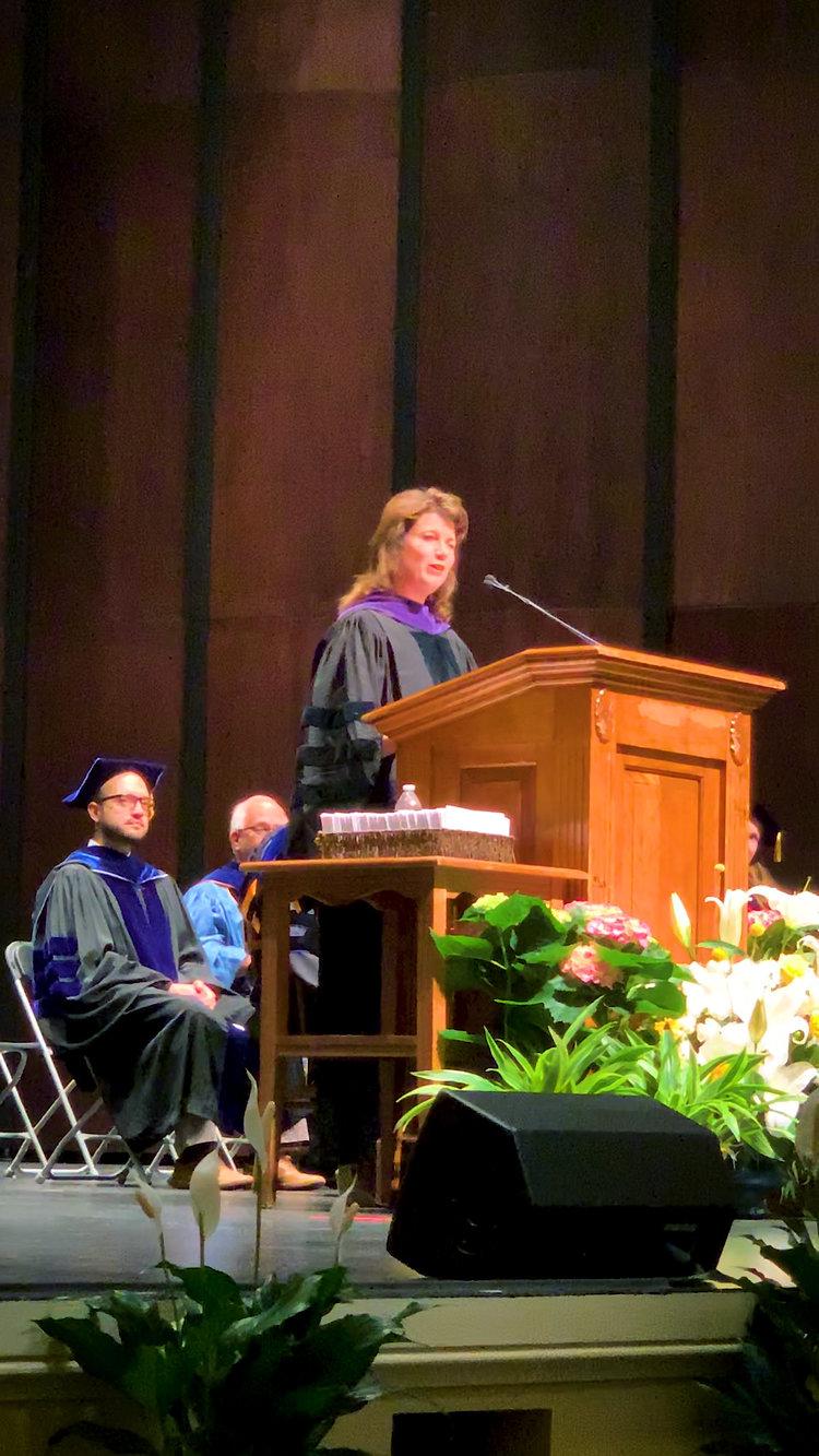 Unc Chapel Hill Graduation 2020.Gina Collias Delivers Unc Chapel Hill Political Science