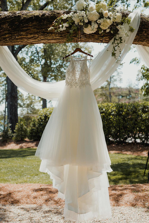 Modern garden wedding CLT whitehead manor 2.jpg