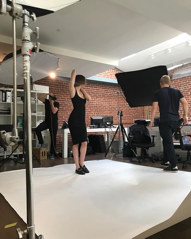 It's all about the angles @blaquelabel #behindthescenes #fashion #blaquelabel