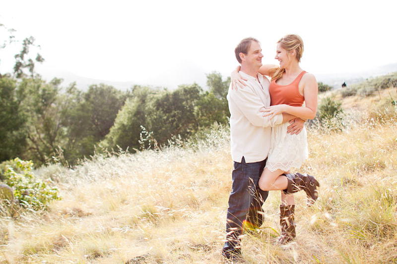 san luis obispo engagement session of couple at in a field (2 of 5)