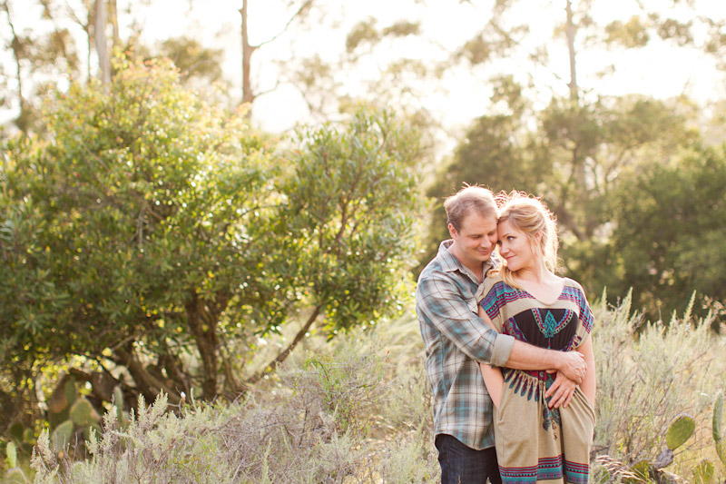 san luis obispo engagement session of couple at in a field (4 of 5)