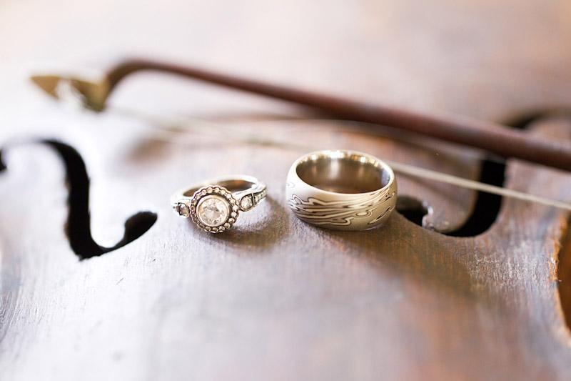 Virginia wedding photography rings on violin