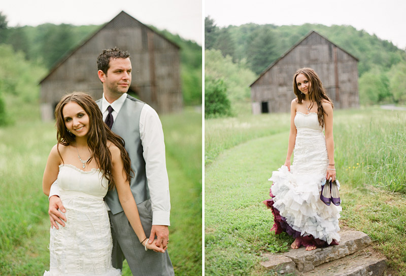 Virginia wedding photography portraits of the couple by an old barn (4 of 4)