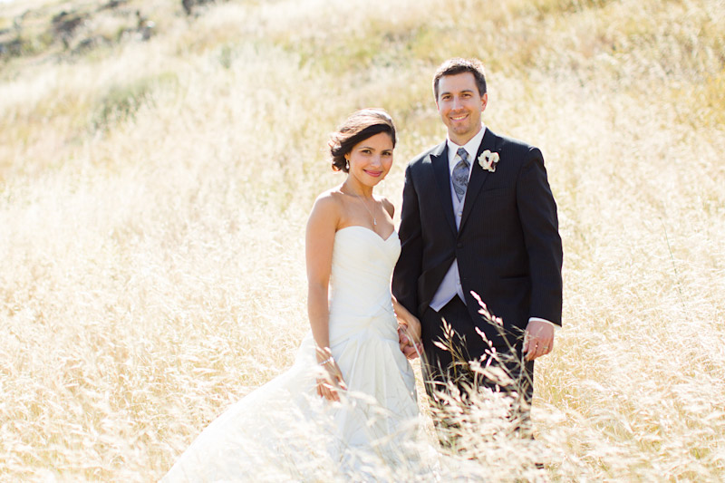San luis obsipo wedding photography of a couple in a field with beautiful light (2 of 5)
