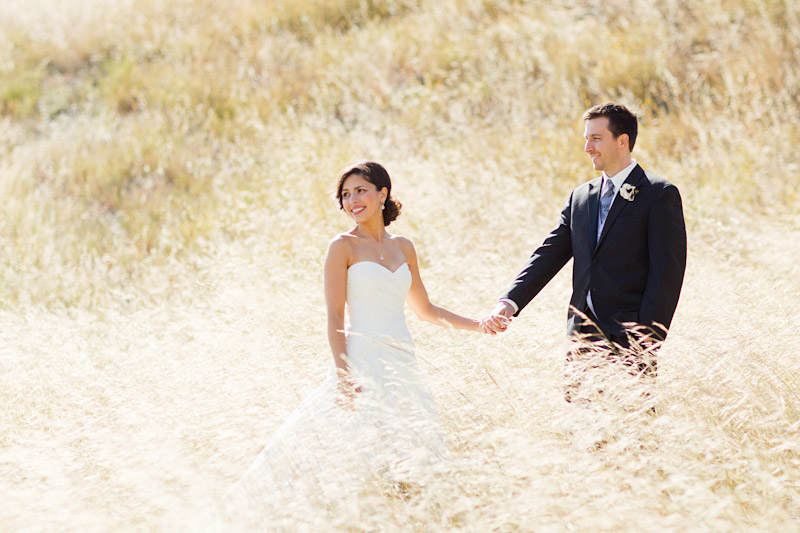 San luis obsipo wedding photography of a couple in a field with beautiful light (4 of 5)