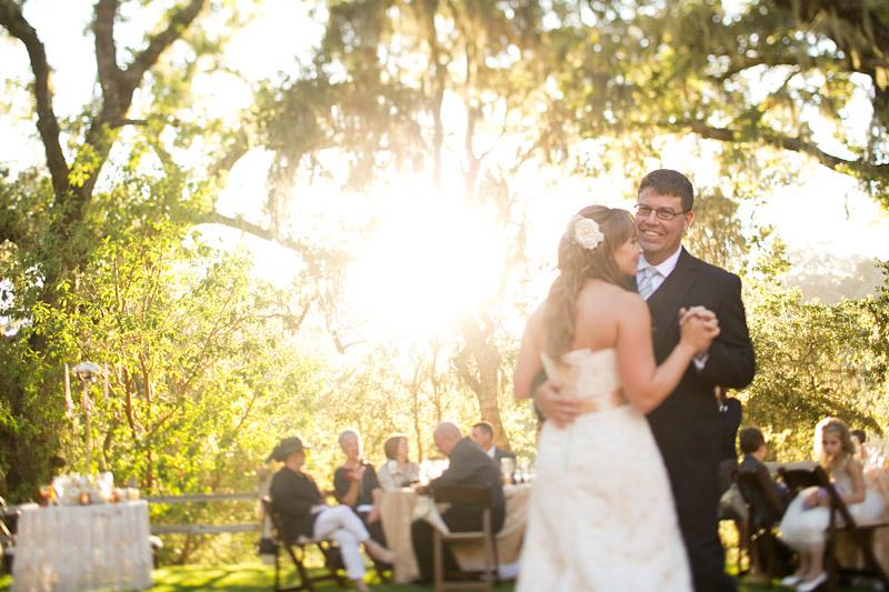 san luis obispo wedding photography at lago giuseppe, couple's first dance