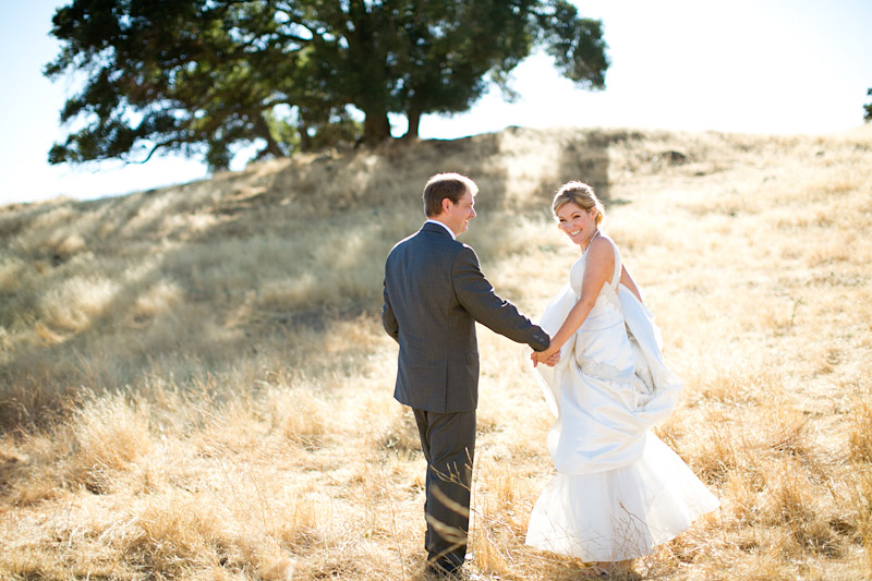 santa margarita ranch, portraits of the couple in a field (1 of 5)