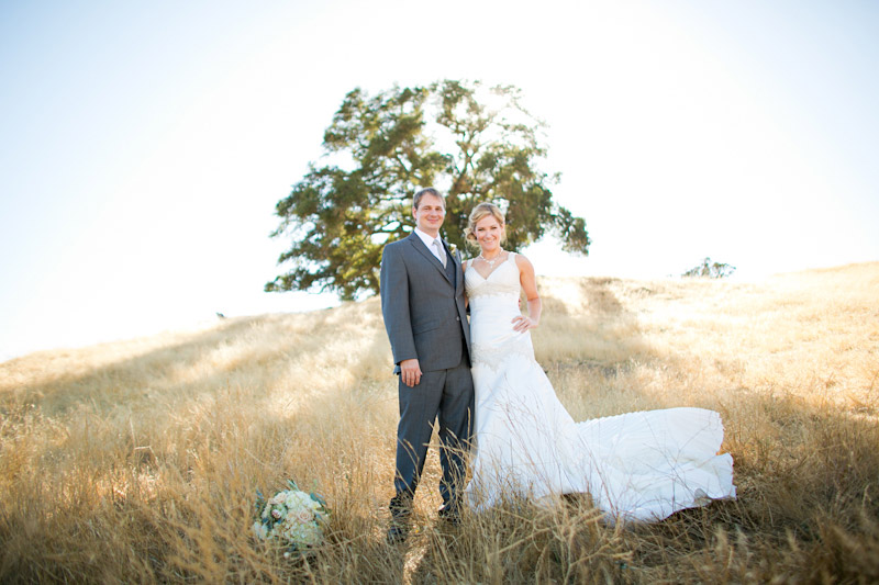 santa margarita ranch, portraits of the couple in a field (2 of 5)