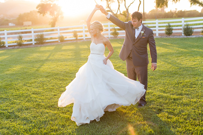 Greengate Ranch Wedding Bride and Groom at sunset in the grass field (4 of 5)
