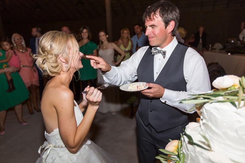 Greengate Ranch Wedding cake cutting