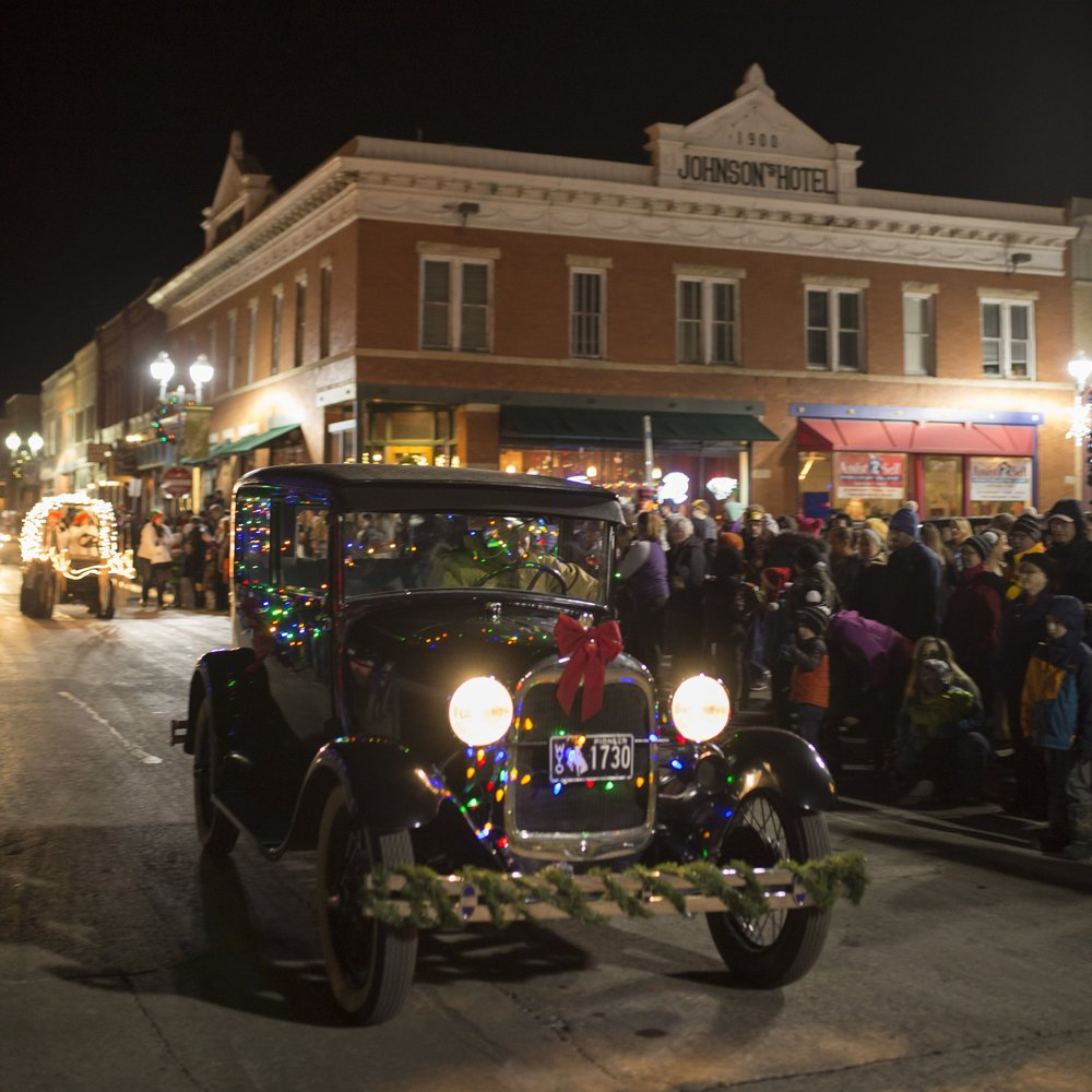 holiday parade & tree lighting - December 7